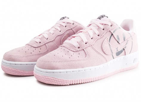 Chaussures Nike Air Force 1 LV8 rose Have a nike Day junior vue intérieure