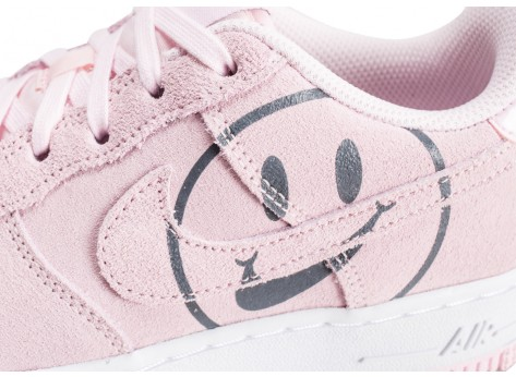 Chaussures Nike Air Force 1 LV8 rose Have a nike Day junior vue dessus