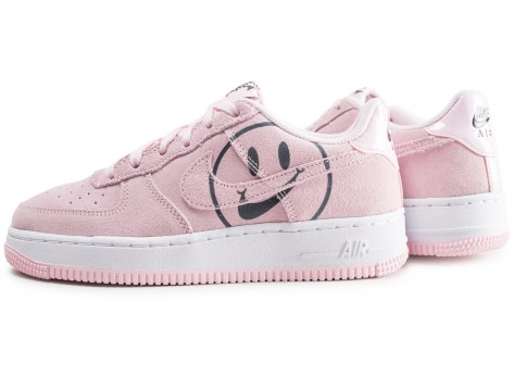 Chaussures Nike Air Force 1 LV8 rose Have a nike Day junior vue extérieure