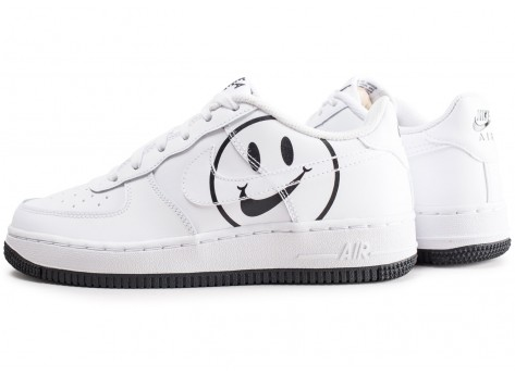 Chaussures Nike Air Force 1 LV8 blanche Have a Nike Day junior vue extérieure