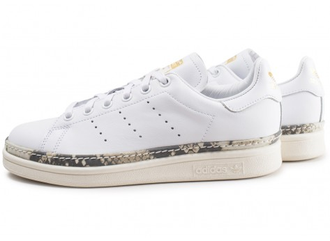 Chaussures adidas Stan Smith New Bold blanche femme vue extérieure