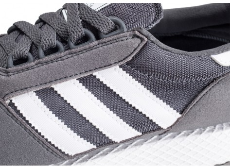 Chaussures adidas Forest Grove grise et blanche junior vue dessus