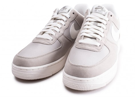 Chaussures Nike Air Force 1 '07 gris vue intérieure
