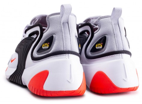 Chaussures Nike Zoom 2K blanc rouge vue dessous