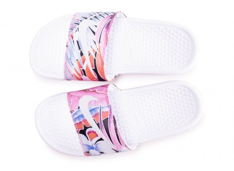 Chaussures Nike Benassi Print Just Do It blanche femme vue arrière
