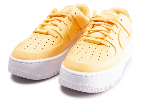 Chaussures Nike Air Force 1 Sage Low Topaze Gold femme vue intérieure