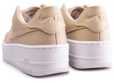 Chaussures Nike Air Force 1 Sage Desert Ore vue dessous