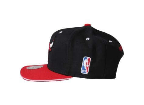 fade72016f8c3 ... Casquettes Mitchell & Ness Casquette Snapback Tip Off Chicago Bulls ...