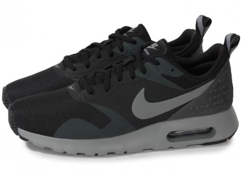 Nike Air Max Tavas Leather, Baskets Basses Homme