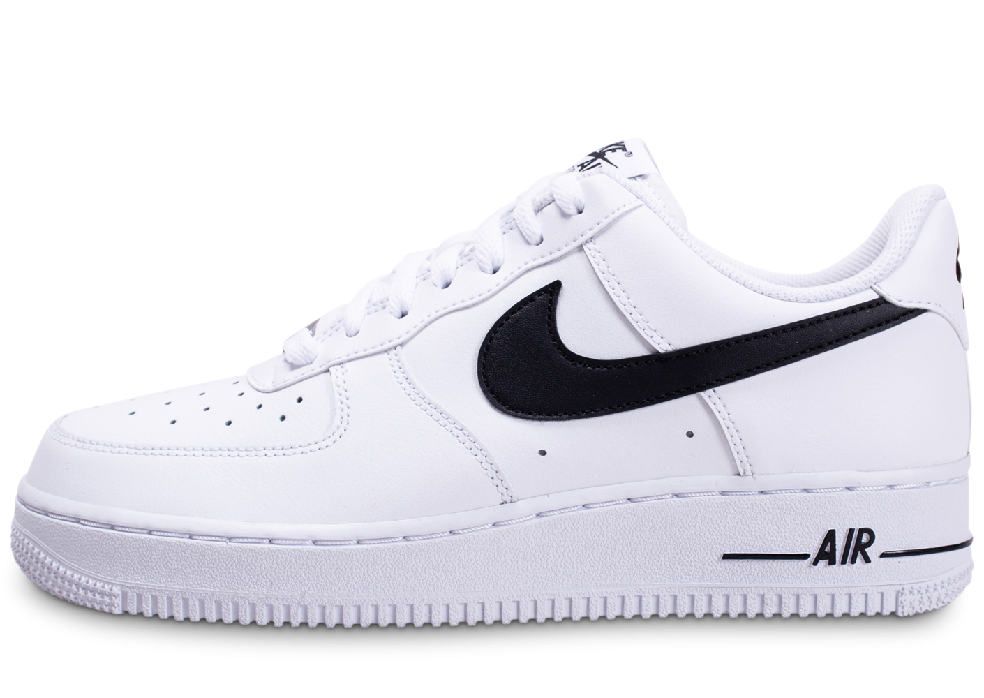 Nike Air Force 1'07 blanche et noire - Chaussures Baskets homme ...