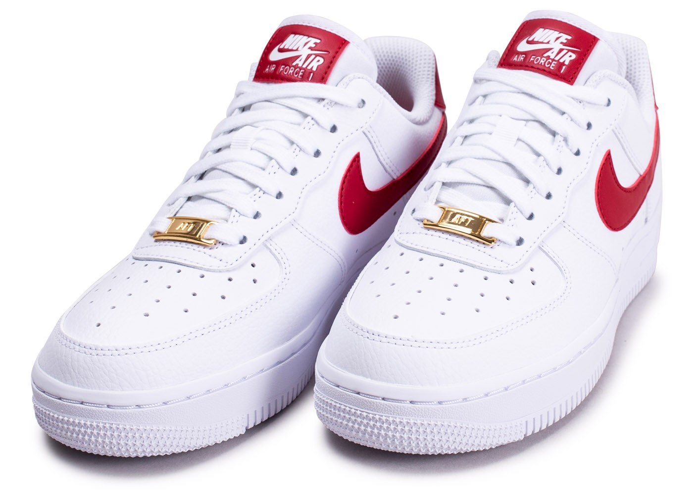 nike air force 1 rouge porté