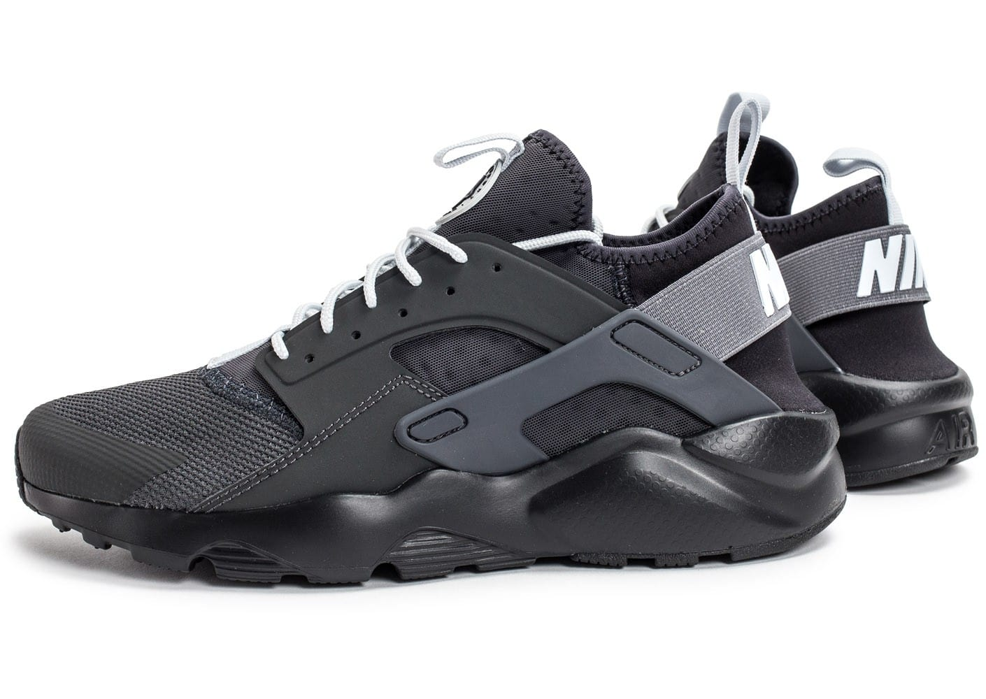 nike air huarache run ultra cool noire et blanche chaussures baskets homme chausport. Black Bedroom Furniture Sets. Home Design Ideas