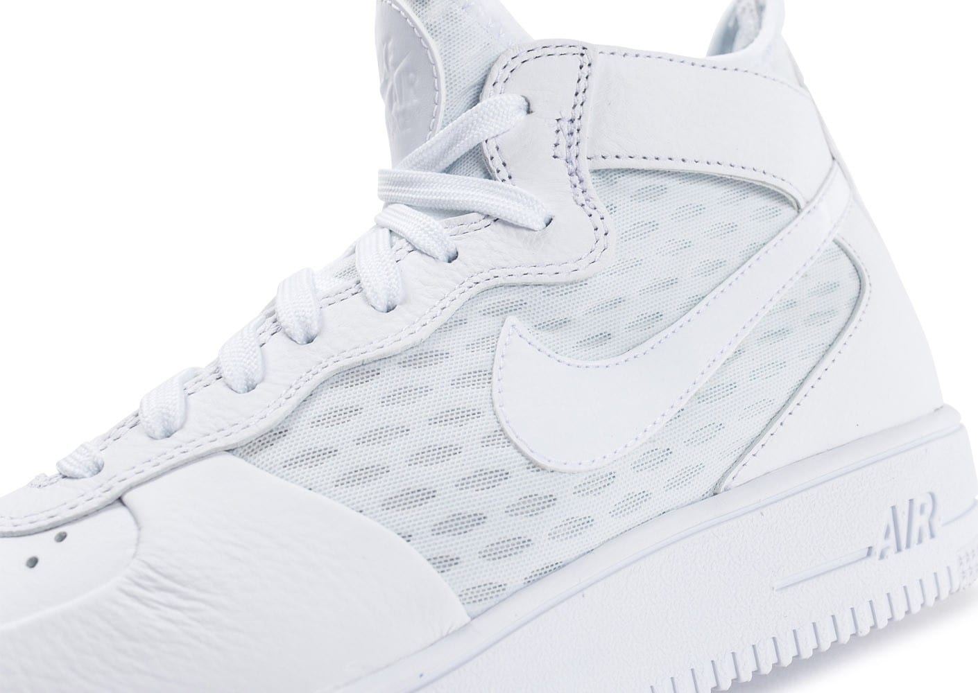 sneakers for cheap bba9d ecf7f ... Chaussures Nike Air Force 1 UltraForce Mid blanche vue dessus