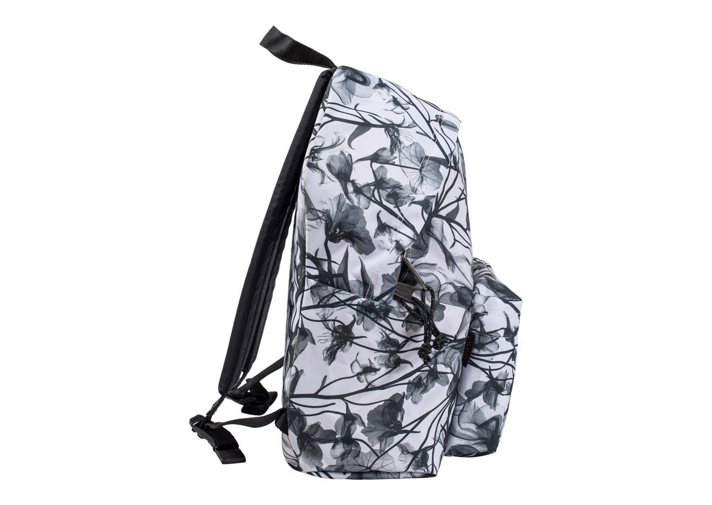 eastpak sac dos padded pak 39 r floral blanc sacs sacoches chausport. Black Bedroom Furniture Sets. Home Design Ideas