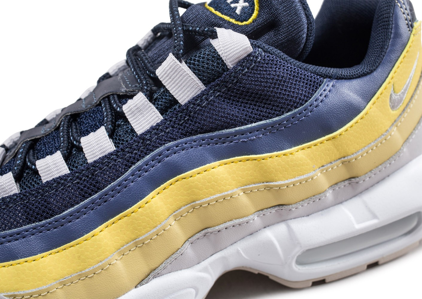 differently 7fb92 c22a6 ... Chaussures Nike Air Max 95 Essential Lemon Wash vue dessus