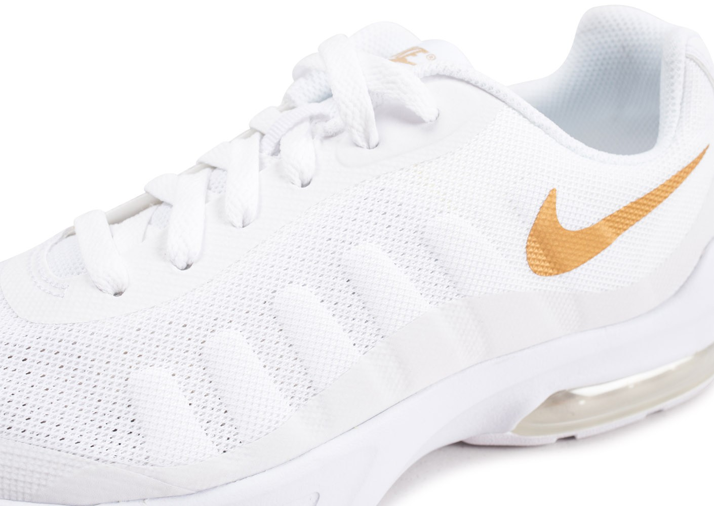 best loved cb32d a8486 ... Chaussures Nike Air Max Invigor blanche junior vue dessus