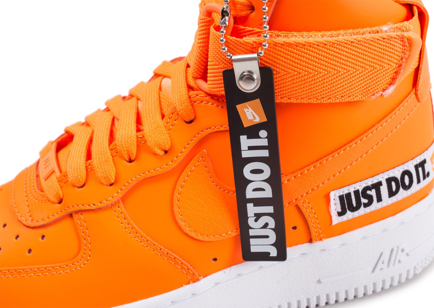 low priced 71f13 4b527 ... Chaussures Nike Air Force 1 High LX Leather JDI orange femme vue dessus
