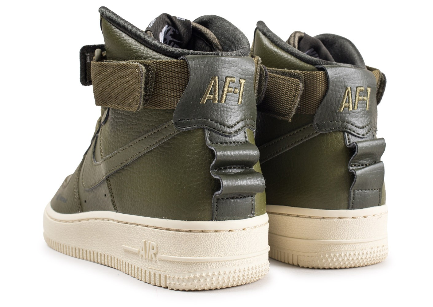 60b2a354f ... Chaussures Nike Air Force 1 High Utility Olive femme vue dessous ...