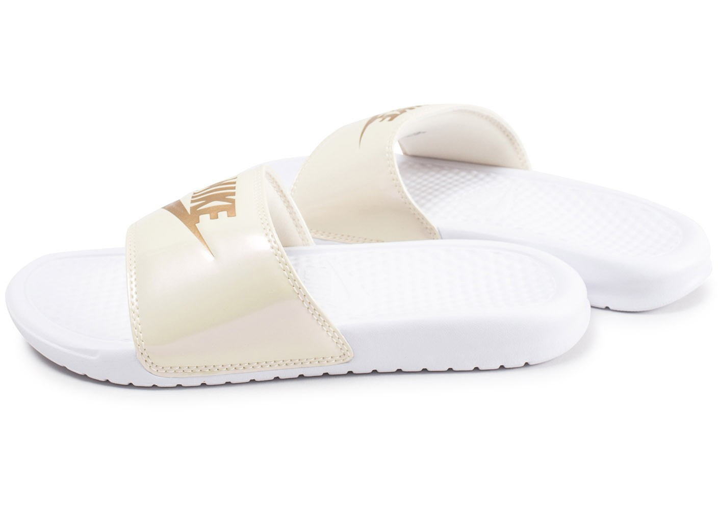 Nike Sandales Benassi blanches et or femme - Chaussures ...