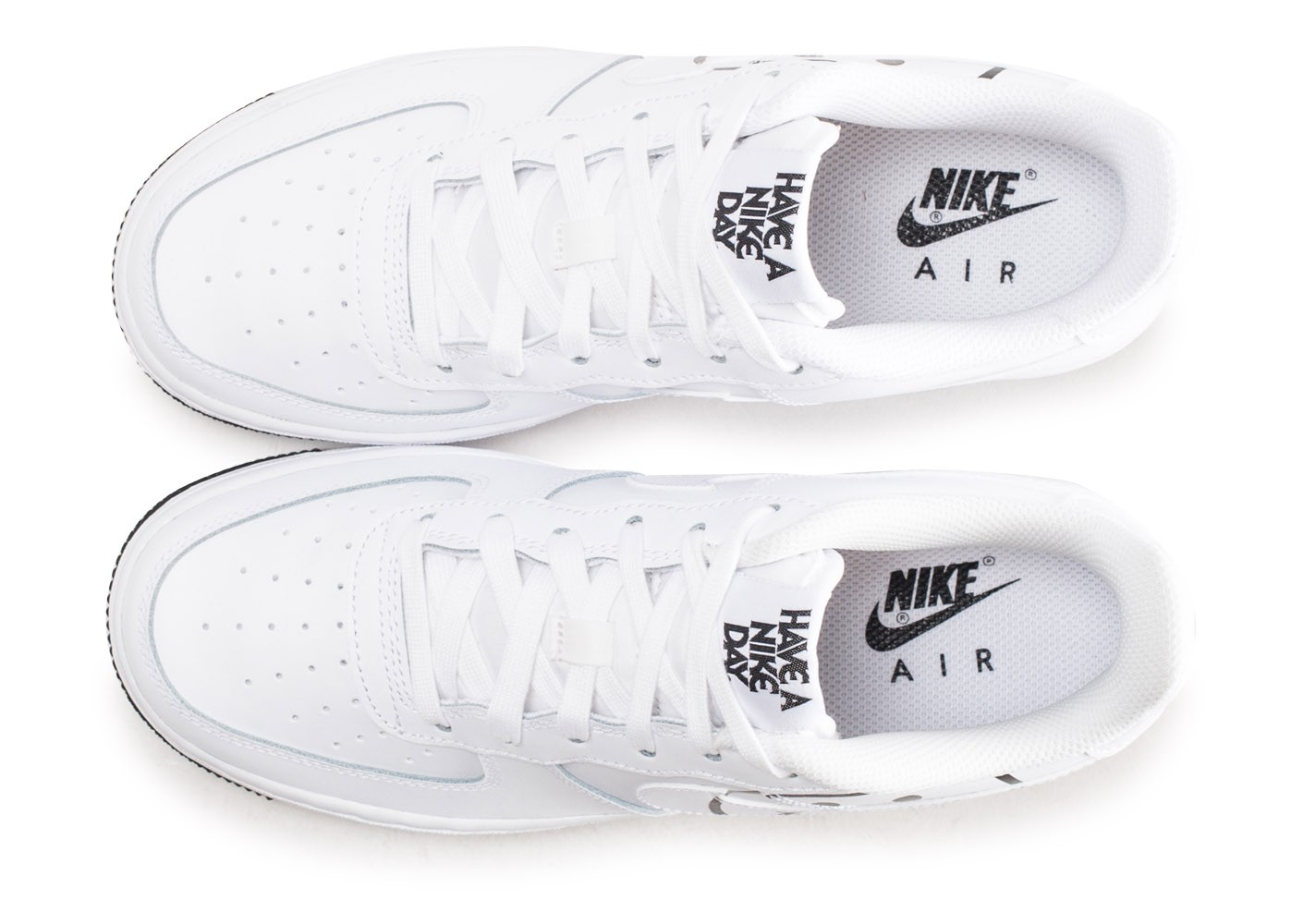 online store b90fe e1228 ... Chaussures Nike Air Force 1 LV8 blanche Have a Nike Day junior vue  arrière ...