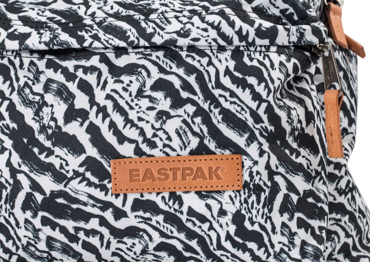 Dos À Padded Et Pak'r Zebra Sac Black Chaussures Friday Eastpak FulKc5J31T
