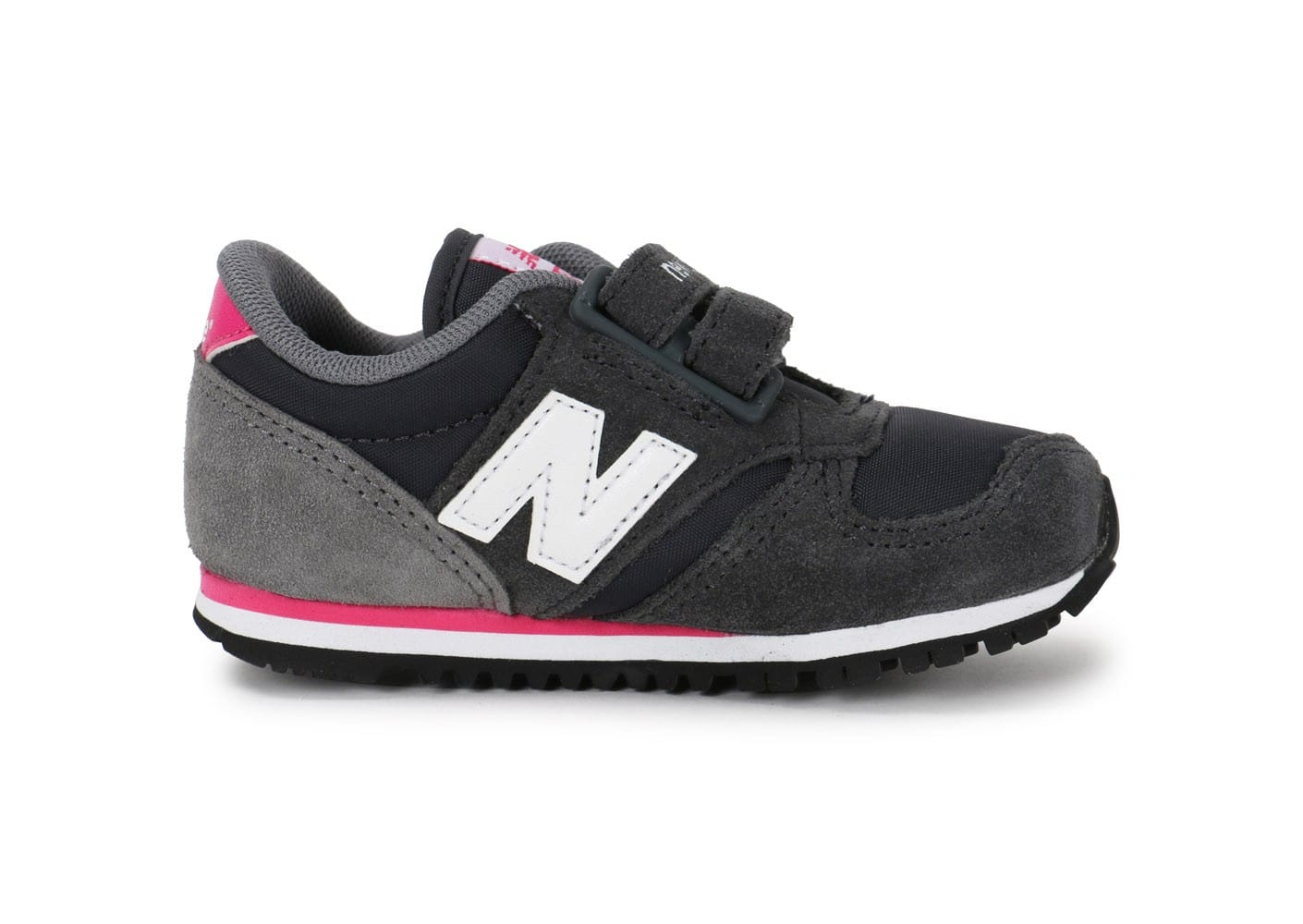 new balance 420 blanche femme fatales movie