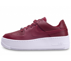 Chaussures Nike Air Force One Sage Low Rouge