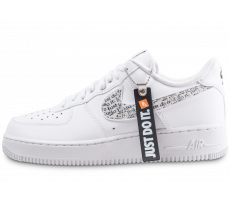 Chaussures Nike Air Force 1 '07 LV8 Just Do It blanche