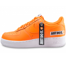 Chaussures Nike Air Force 1 Just Do It orange