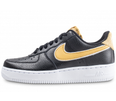 Chaussures Nike Air Force 1 '07 SE noir et or