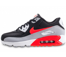 official photos 2e9c9 25e8e Chaussures Nike Air Max 90 Essential noire et rouge