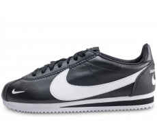 Chaussures Nike Classic Cortez Premium noire et blanche overbranded