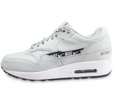 wholesale dealer 8fbea 2a926 Chaussures Nike Air Max 1 SE Overbranded argent femme