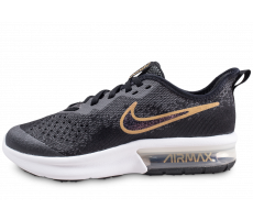 Chaussures Nike Air Max Sequent 4 Shield noire et or junior