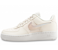 premium selection f6c85 8b439 Chaussures Nike Air Force 1  07 SE Premium beige femme