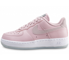 Chaussures Nike Air Force 1 '07 Essential rose et blanche femme