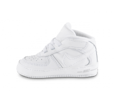 a1f4628a9f45e Chaussures Nike Chaussons Air Force 1 bébé blancs